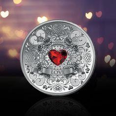 Ystävänpäivä lähestyy - tässä vinkkimme lahjaksi: Roihuava rakkaus -hopearaha, jossa on sydämen muotoon hiottu Swarowskin kristalli. Saatavilla vain hyvin rajallinen erä, joten kannattaa tehdä päätös nopeasti! Swarovski, Personalized Items