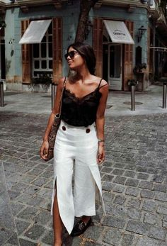 38 Comfortable and Gorgeous Vacation Wearing Style You Need to See dress, summer outfits, vocation wearing style Style Outfits, Cute Casual Outfits, Grunge Outfits, Fashion Outfits, Fashion Tips, Fashion Hacks, Fashion 2018, Fashion Online, Fashion Ideas