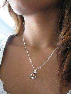 Sweet 'lil anchor necklace