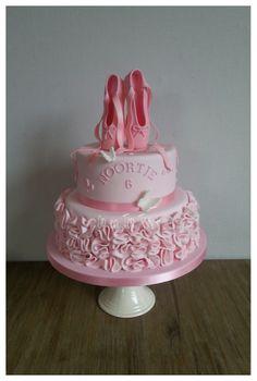 Rufgled Ballerina Cake