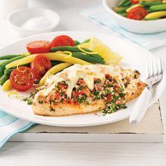 Salade de thon à la mangue - 5 ingredients 15 minutes Tilapia, Salmon Burgers, Fruit, Chicken, Parmesan, Healthy, Ethnic Recipes, Sauce Alfredo, Diane