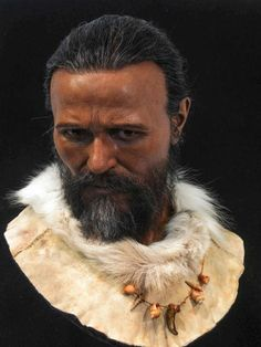 Forensic reconstruction of a Cro-Magnon man found in France by Oscar Nilsson Forensic Facial Reconstruction, Forensic Artist, Brighton Museum, Cro Magnon, Human Evolution, Iron Age, Forensics, Ancient History, Ancestry