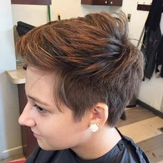 Textured+Pixie+With+Highlights