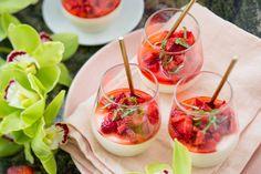 Yoghurt pannacotta with strawberries – Recipes – Bite