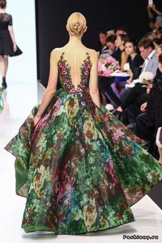 Michael Cinco Haute Couture Осень-Зима 2016-2017                                                                                                                                                      More