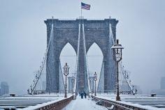 En la categoría Americana, el puente de Brooklyn por Wayne Bennett, del Bronx, en Nueva York. Fotografiado en Nueva York en febrero de 2011. (© Smithsonian.com) #