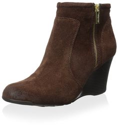 Kenneth Cole REACTION Women's Tell -- Startling review available here  : Boots