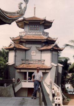 Vinh Nghiem Pagode in Ho Chi Minh Stadt;   Vinh Nghiem Pagoda in Ho Chi Minh City;
