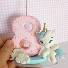 Bom dia! Mais um unicórnio viajando pra alegrar mais uma festa . . . #velaunicornio #unicorn #unicornio #festainfantil #festaunicornio #biscuit #porcelanafria