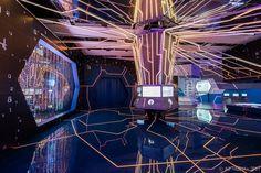 "Exhibition ""Smart City"" on Behance Exhibition Display, Exhibition Space, Exhibition Stands, Futuristic Interior, Spaceship Concept, Bright Background, Museum Displays, Stage Design, Set Design"