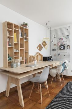 Eames Dining Chair, Dining Table, Wood Office Desk, Rocking Chair Nursery, Home Room Design, Small Room Bedroom, Home Furniture, Sweet Home, Modern