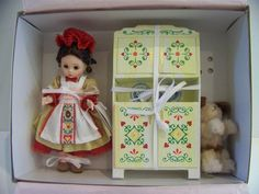 Old Mother Hubbard Madame Alexander doll set 8 in by danishjane