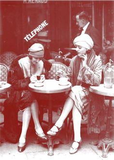 :::: ✿⊱╮☼ ☾ PINTEREST.COM christiancross ☀❤•♥•* :::: Paris 1920s.