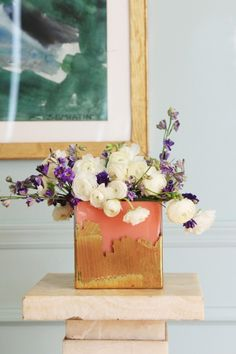 DIY: Gold Leaf Brush Strokes Vase (via Bloglovin.com )