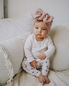 Twin Baby Girls, Cute Baby Girl, Baby Love, Baby Girl Winter, Newborn Girl Outfits, Baby Girl Newborn, Cute Baby Pictures, Baby Photos, Blonde Kids