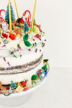 The most fun and festive cake for the holidays