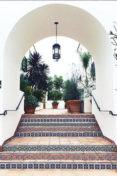 Awesome Entrance - Outdoor Tile That Is Definitely Not For Squares - Photos