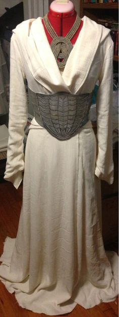 Beautiful Stahma Tarr costume. Using the belt for a reference.