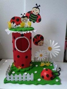 Summer Crafts For Kids, Paper Crafts For Kids, Class Decoration, School Decorations, Kids Art Class, Art For Kids, Bee Crafts, Diy And Crafts, Bee Pictures