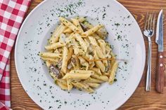 Zdravá večeře: 20 jednoduchých receptů na zdravá jídla Pasta Cremosa, Pasta Casera, Cooking Bacon, Cooking Recipes, Oven Cooking, Cooking Twine, Cooking Eggs, Cooking Brisket, Cooking Kielbasa