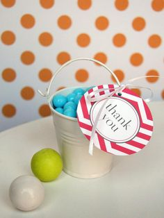 10 easy party favors