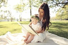 The adorable Mother Daughter pictures try to depict and bring out those deep emotions and feelings in a subtle way. Mother Daughter Pictures, Daughter Love, Mother Daughters, Mommy And Baby Pictures, Mother Son, Mother's Day Photos, Family Photos, Family Posing, Family Portraits