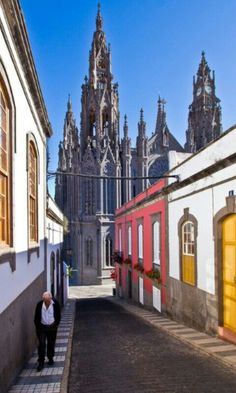 """Catedral"" ( as ""Cathedral"" from) de Arucas(village like a city) Gran Canaria, Spain Grand Canaria, Prague, Places To Travel, Places To Visit, Europe Centrale, Spain And Portugal, Canary Islands, Wonders Of The World, Beautiful Places"
