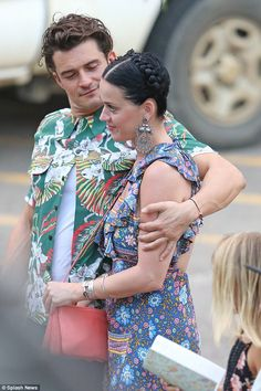 It's official! Katy Perry and Orlando Bloom appear to have confirmed that they are very mu...