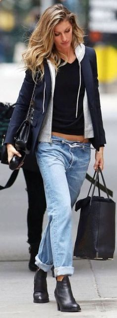 Cool Roll-up Boyfriend Jeans and hoodie Fashionistas