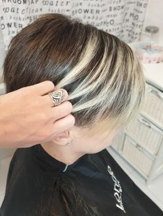 Tunsori simple si usor de aranjat! - We Beauty Bob Lung, Hair Ideas, Silver Rings, Beauty, Jewelry, Fashion, Jewellery Making, Jewlery, Jewelery