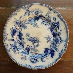 Windsor Wreath Flow Blue Plate Vintage Dishes, Vintage China, Blue Plates, White Plates, Dish Garden, Victorian Design, Blue And White China, China Patterns, Pottery Bowls