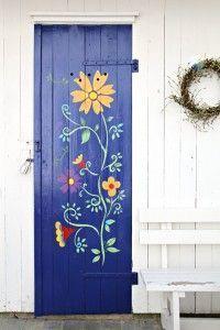Flowers on the door look amazing!!