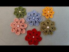 crochet knit flower making Crochet Brooch, Crochet Shoes, Crochet Earrings, Knitted Flowers, Creative Embroidery, Crochet Videos, Irish Crochet, Flower Making, Flower Patterns