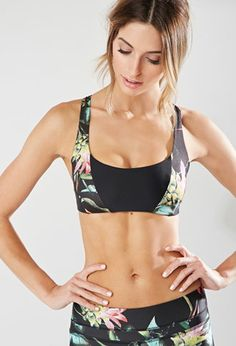 Look and feel your best in Forever 21 activewear and workout clothes for women! Get fit in our sports bras, leggings, shorts, crop tops & more. Fitness Outfits, Yoga Outfits, Fitness Fashion, Sport Outfits, Fashion Outfits, Workout Outfits, Athletic Outfits, Athletic Wear, Sport Chic