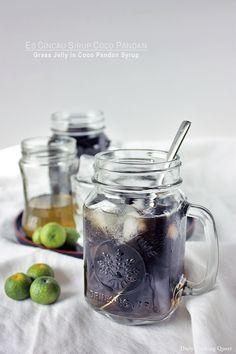 Resep Es Cincau Sirup Coco Pandan - Grass Jelly in Coco Pandan Syrup Recipe