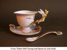 Tinker Bell Tea Cup by Jody Daily Franz Cup Saucer - Franz Tinker Bell Tea Cup by Jody DailyFranz Cup Saucer - Franz Tinker Bell Tea Cup by Jody Daily Disney Home, Walt Disney, Disney Peter Pans, Cadeau Disney, Deco Disney, Estilo Disney, Tinkerbell Fairies, Disney Mugs, Teapots And Cups