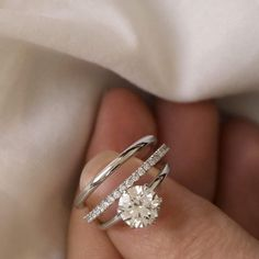18k White Gold Solitaire Round Brilliant Diamond Engagement Ring from Vrai and Oro Wedding (VOW)