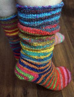 Ravelry: Vanilla Socks [Toe-up & afterthought heel] pattern by Carle' Dehning Knitting For Kids, Loom Knitting, Knitting Projects, Knitting Socks, Hand Knitting, Crochet Socks, Knitted Slippers, Wool Socks, Knit Or Crochet