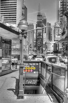 ¡Qué buena experiencia sería recorrer los #barrios de #NY siguiendo las líneas del #subte! http://www.bestday.com.mx/Nueva-York-City-area/Compras/