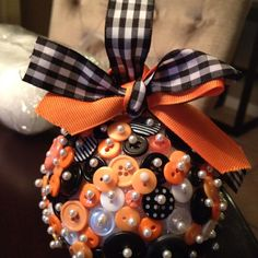 Halloween tree button ornament, you can also do this with Virginia tech colors