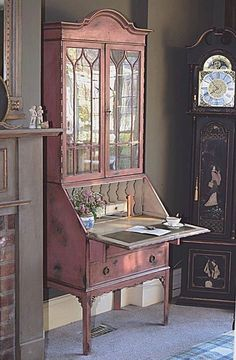 Gorgeous secretary by Jonathon Marc Mendes Decor, Furniture Projects, Furniture Makeover, Painted Furniture, Furniture, Cool Furniture, Home Decor, Shabby Chic Furniture, Vintage Furniture