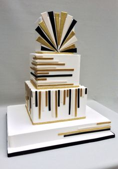 The Great Gatsby Cake with an Art Deco design.