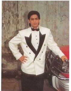 Shah Rukh Khan Movies, Shahrukh Khan, Chennai Express, King Of Hearts, Picture Collection, Film Industry, Actors & Actresses, Bollywood, Suit Jacket