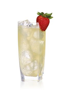 PINNACLE® POOL PARTY 1 PART PINNACLE® KIWI STRAWBERRY VODKA 1 PART LEMONADE 1 PART CLUB SODA Mix in a glass with ice and garnish with a strawberry.