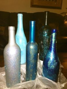 Decorated DIY Wine Bottle ~ Spray paint, glitter, top clear coat of spray paint.