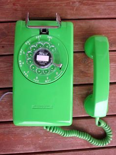 Nos 1973 Lime Green Stromberg Carlson 554 Wall By Gizmosandgadgets Old School Phone