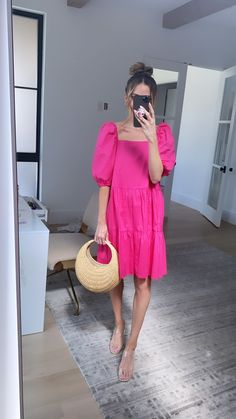 I got this cute ensemble from walmart... can you believe it?! Its a poplin pink dress with puffy sleeves and I paired it with this cute woven bag. Spring Style, I Got This, Poplin, Pink Dress, Spring Outfits, Spring Fashion, Walmart, Bag, Cute