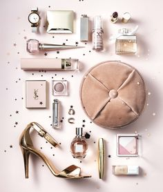 Fashion & Beauty Werf in JAN Magazine Photography by Frank Brandwijk | 'Only Soft Powder Pale Pink' 'Accessories & Makeup Product Stills'