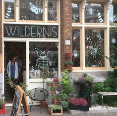 For all you green and plantlovers. This shop is a must see on your citytrip in Amsterdam. #wildernis #plantshop #green