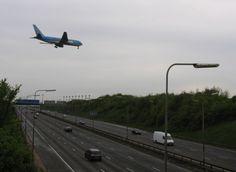 air disasters | ... :Site of Kegworth aeroplane disaster -